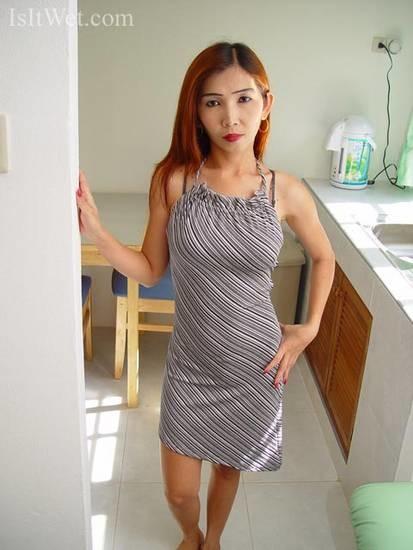 32-летняя вьетнамка разделась и соснула хуйца