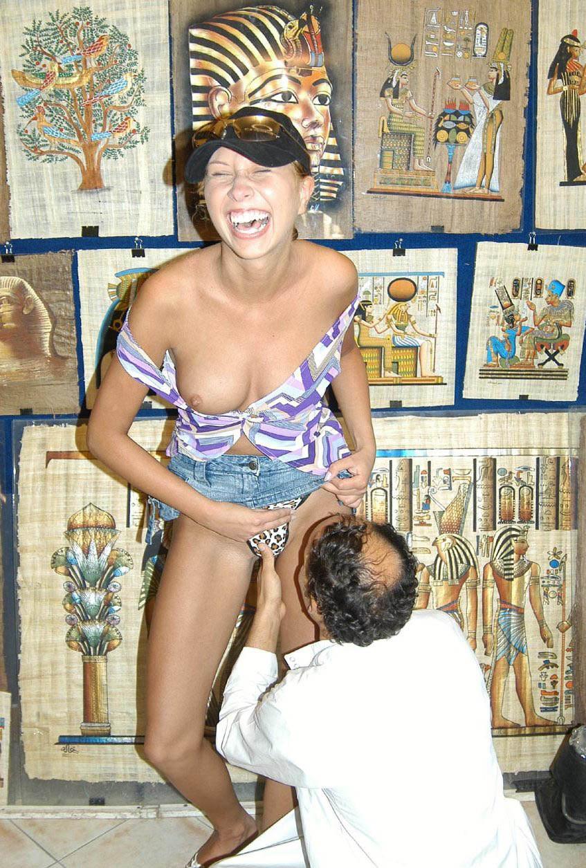 Порно фото жена с египтянином #11