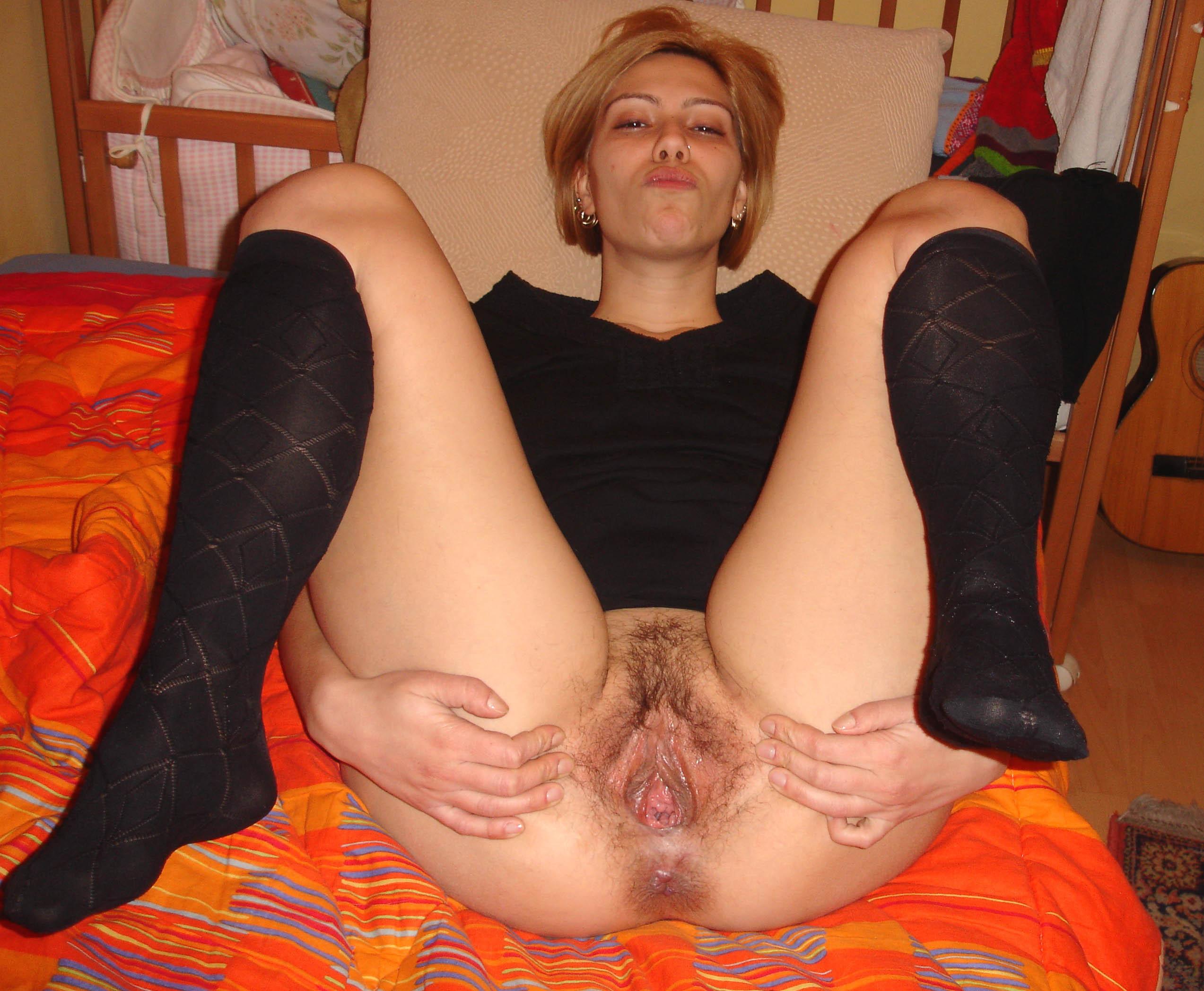foto-pisek-zrelih-russkih-delaet-eroticheskiy-massazh-naturalnoy-blondinke-s-bolshoy-zhopoy-retro