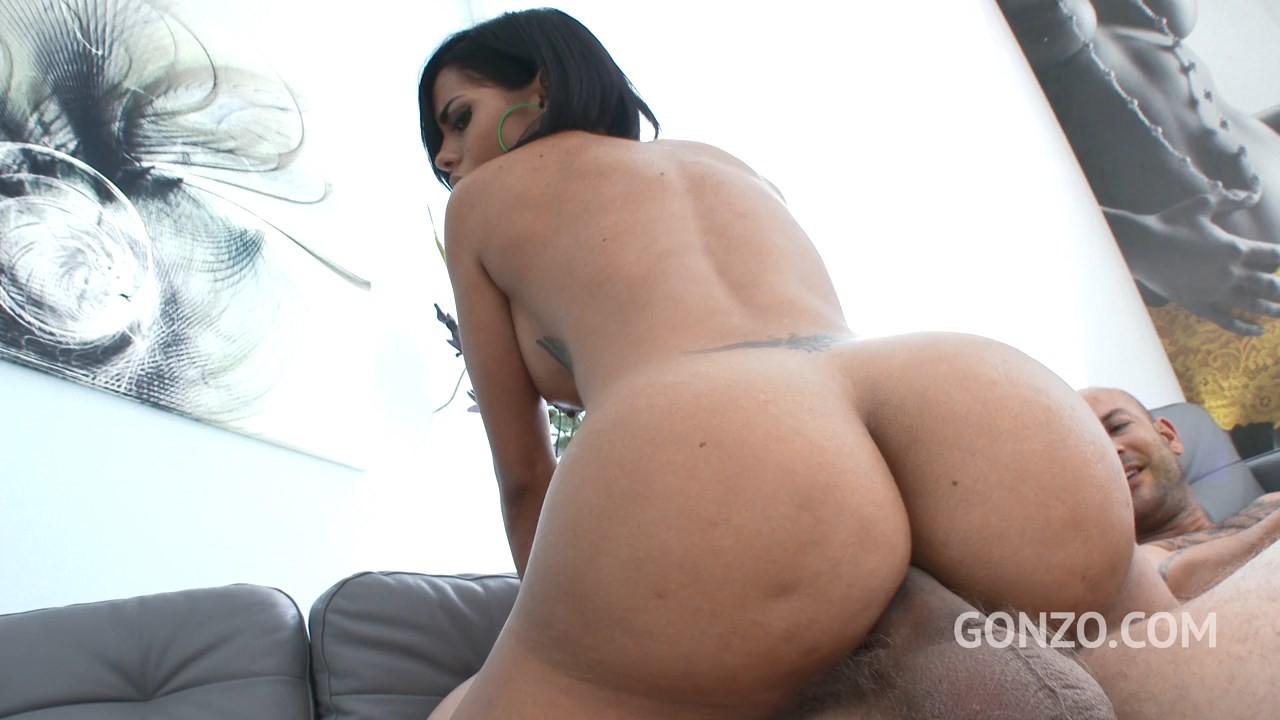 Колумбийская порно модель Канела