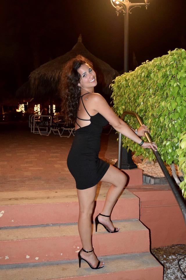 Красивая не голая еврейская девушка