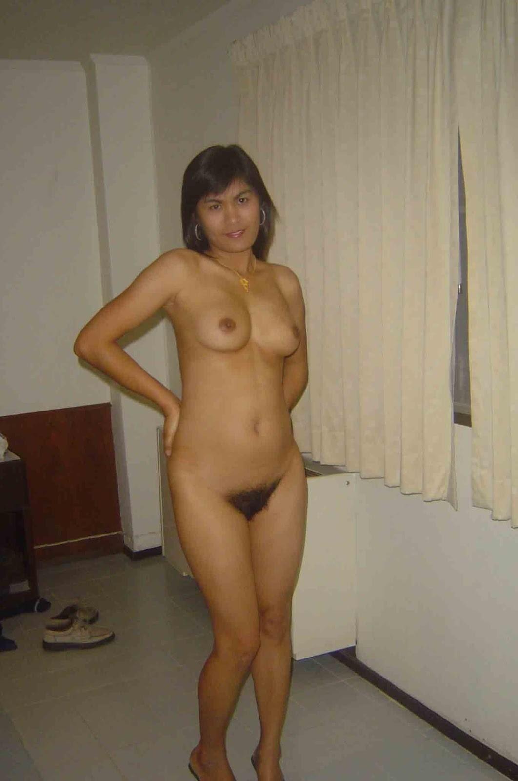 Малайзийская проститутка дает во все дыры