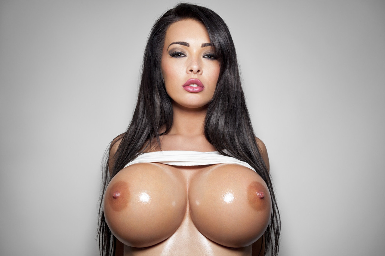 Huge boobs hot video — photo 3