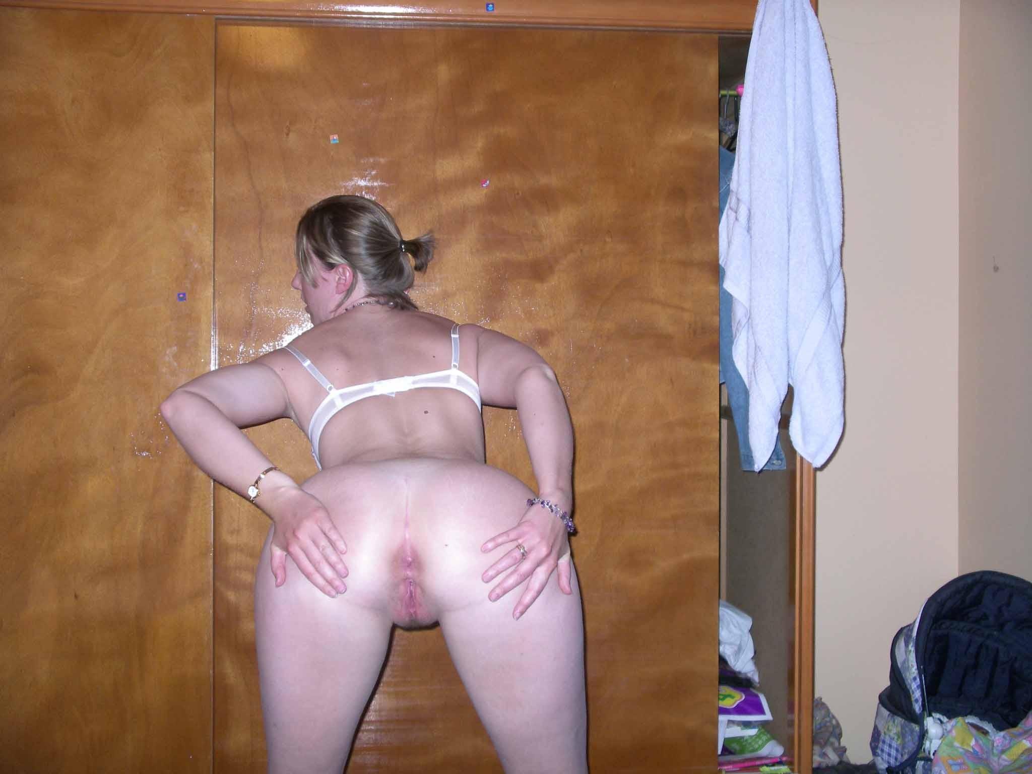 Красивые голые задницы девушек и женщин - компиляция 24