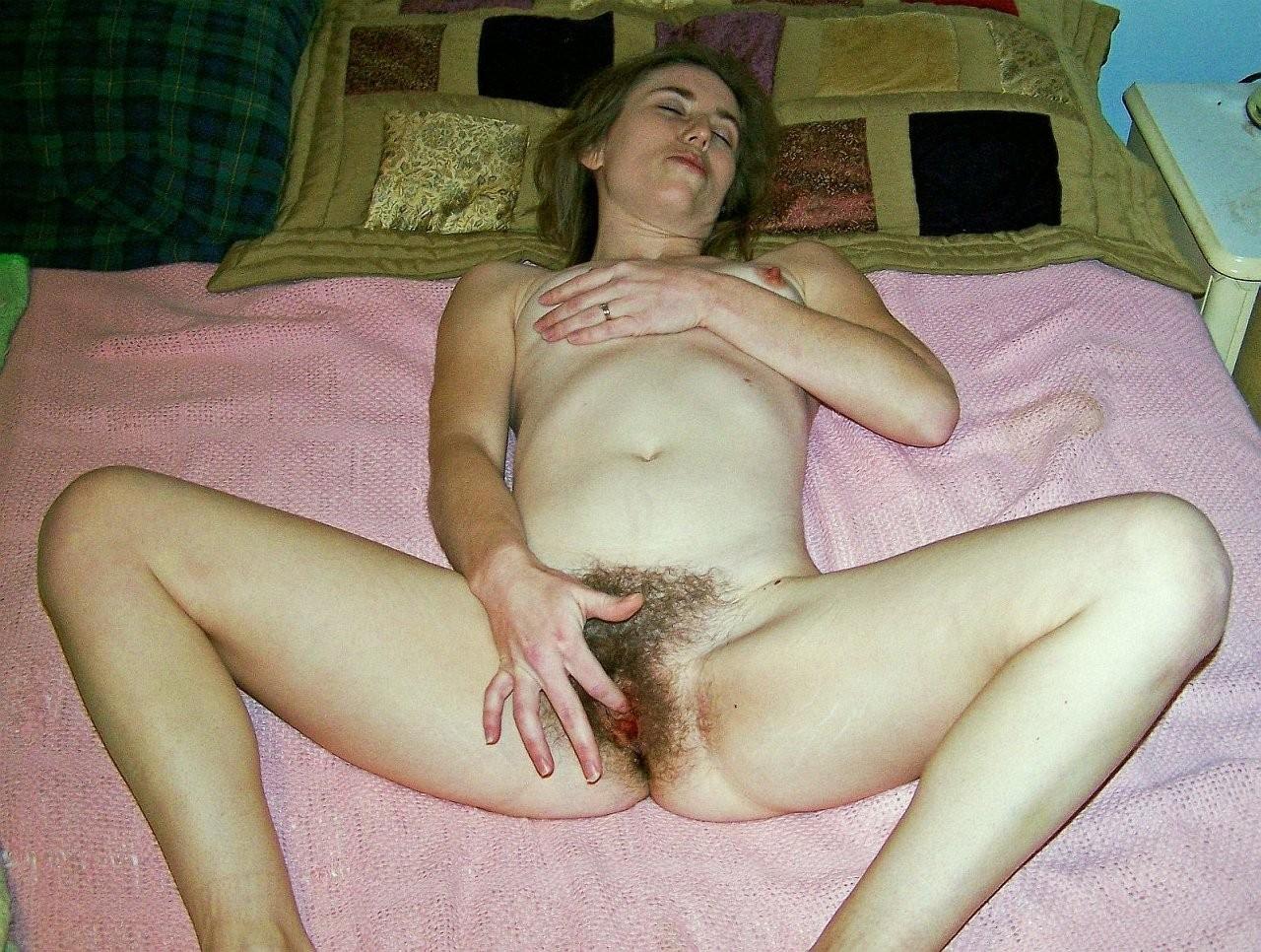 домашняя мастурбация волосатых женщин чувствую его