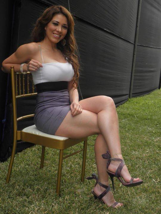 Хорошие ножки у перуанской модели Лучечиты