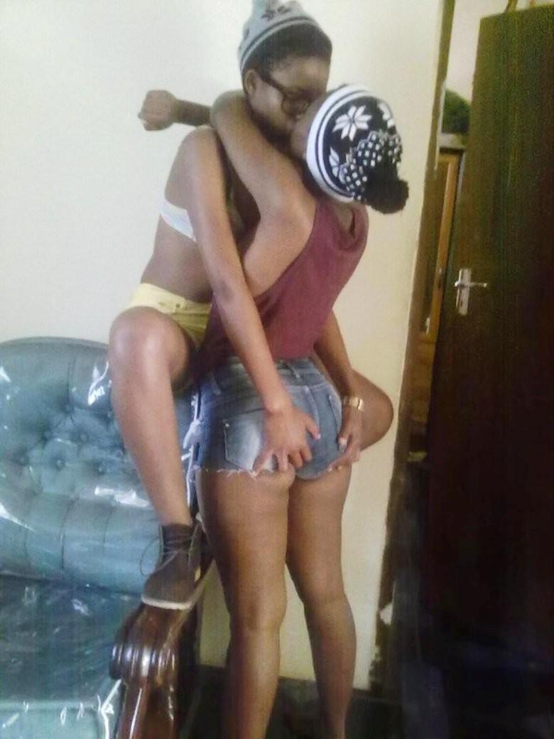 Темнокожие южноафриканки