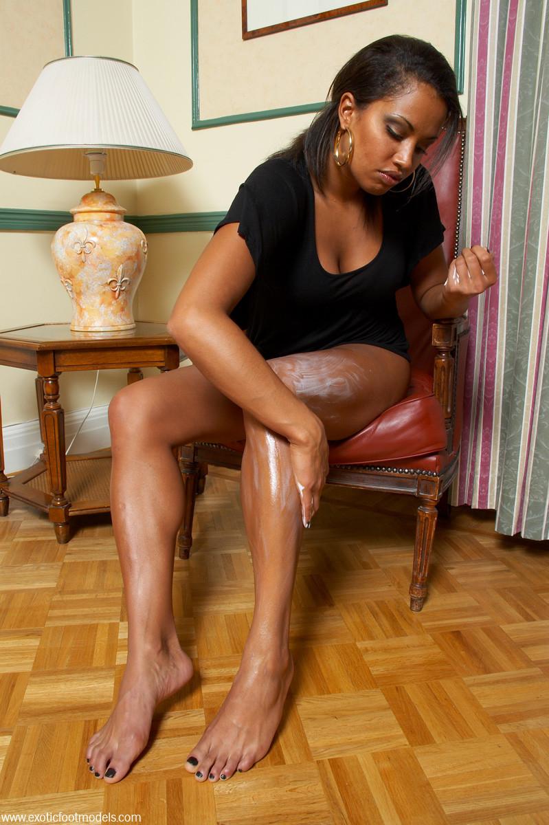 ножки негритянок фото - 5
