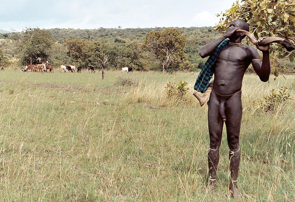 foto-golih-muzhchin-iz-dikih-afrikanskih-plemen-porno