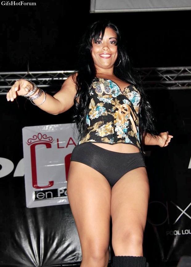 Жопы женщин из Панамы на конкурсе