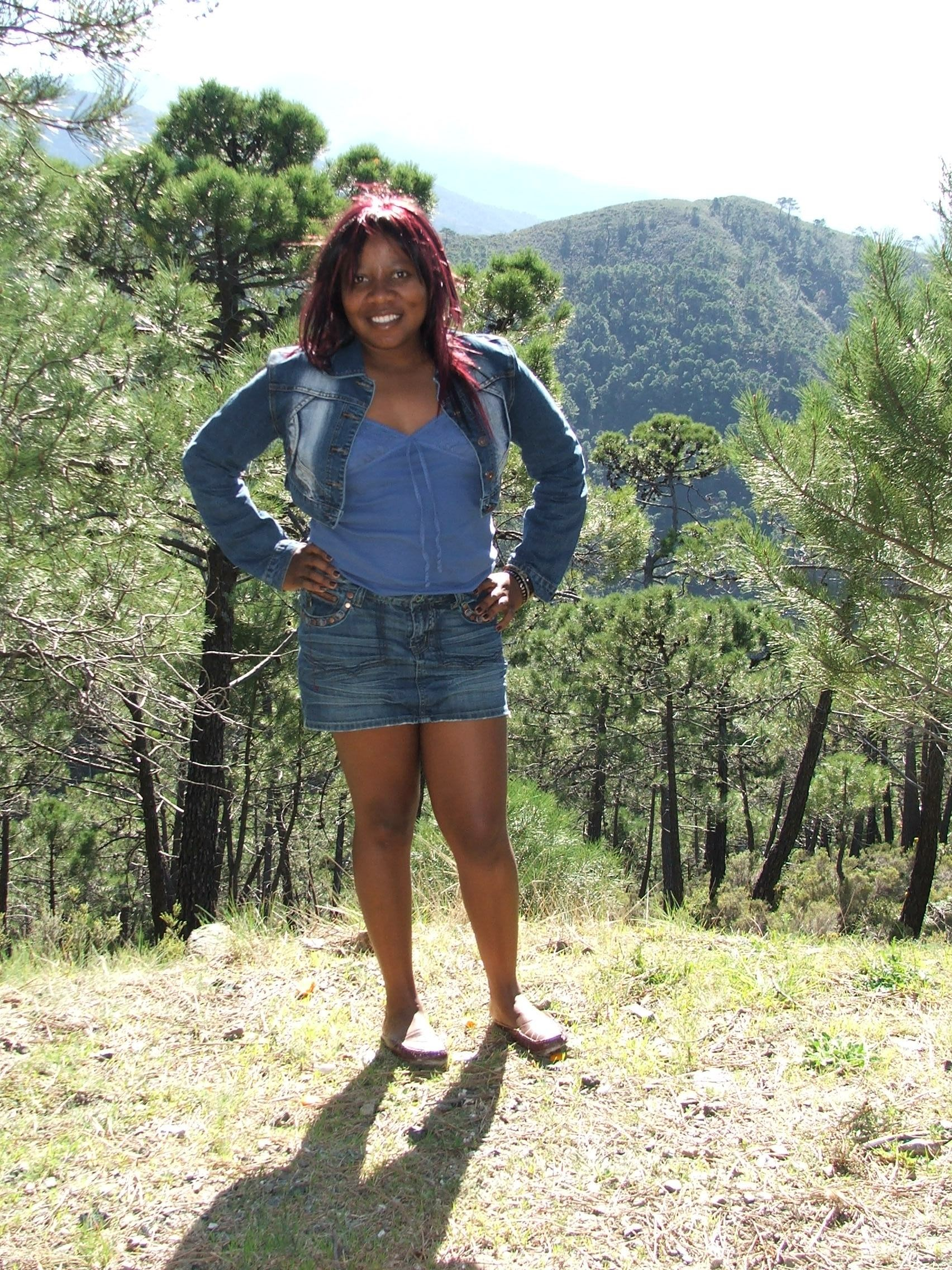 Нигерийка отдыхает в Испании и снимается голая