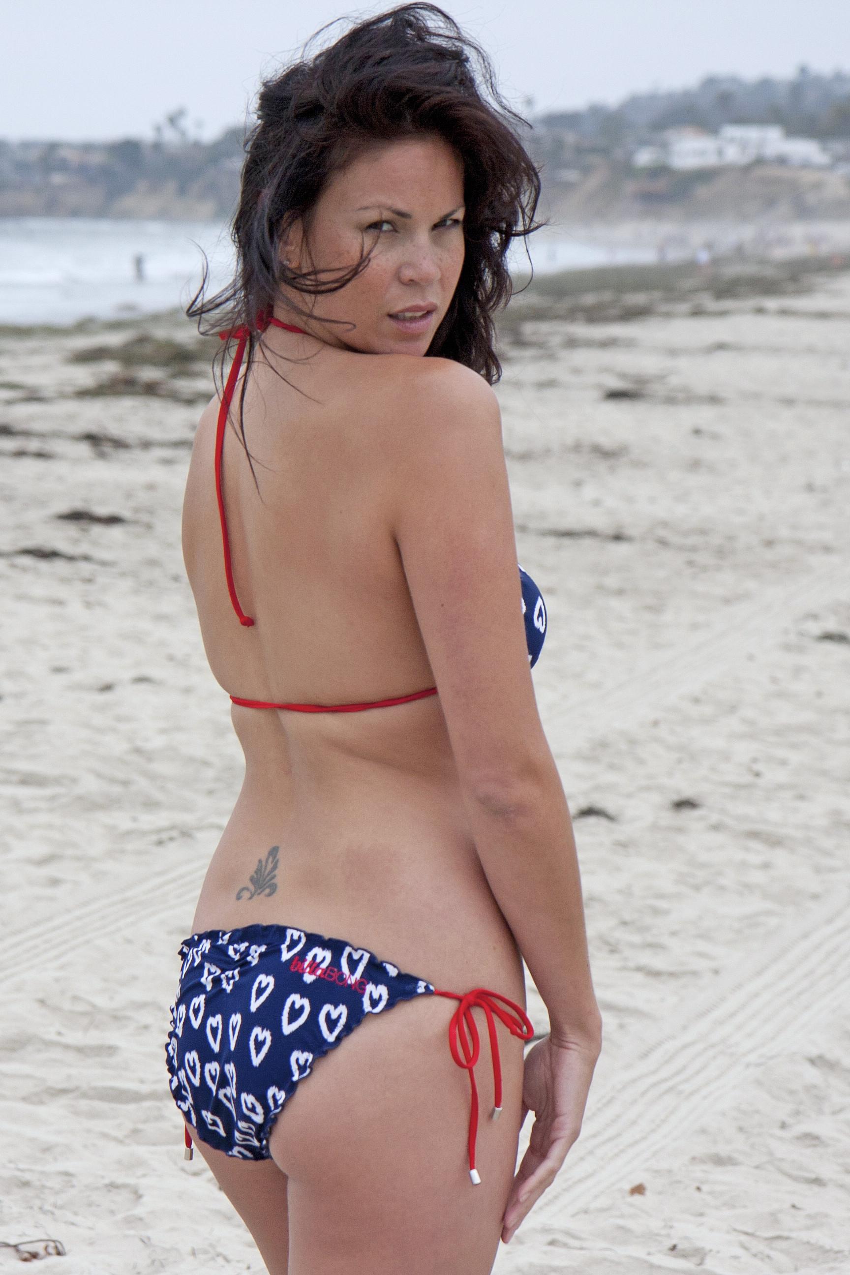 Гватемальская модель в бикини