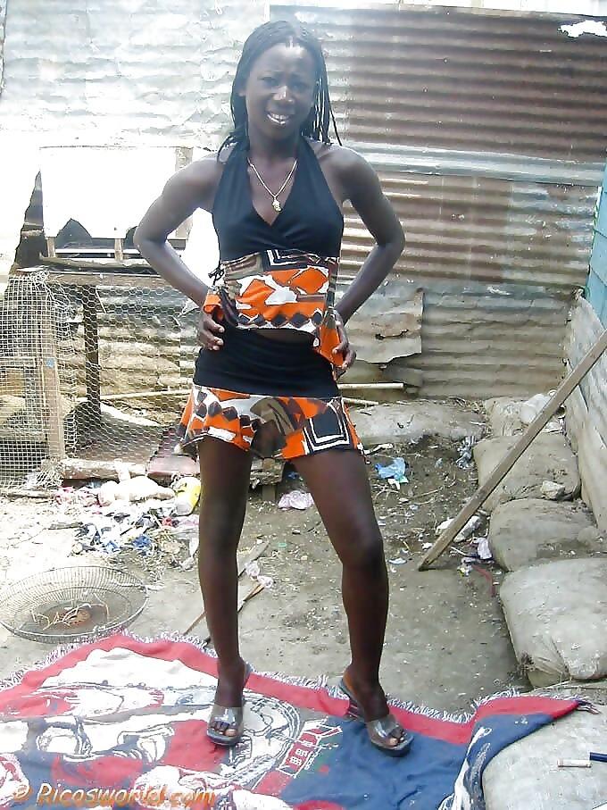 Черная жопа худой Гаитянки