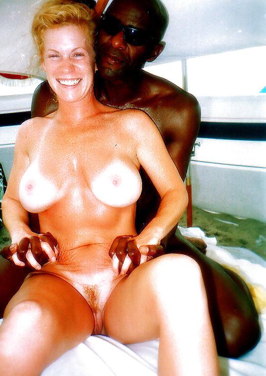 Белым блядям весело на Ямайке
