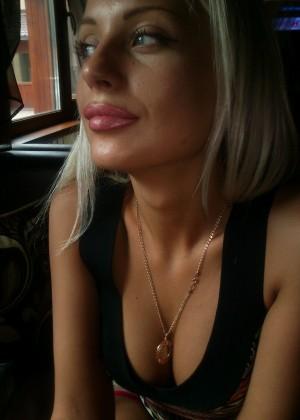 Очаровательная русская блондинка продолжение