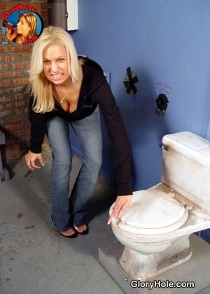 В туалете - Фото галерея 846503