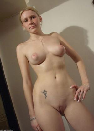 Девушка из Голландии с красивыми сиськами