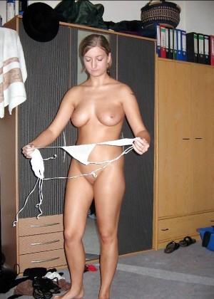 Сексуальная голая австрийка Сара