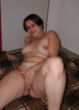 Голодная пухлая австрийская женщина