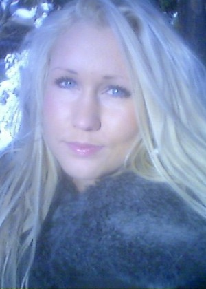 Норвежская блондинка в постели и на рыбалке