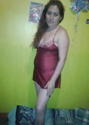 Зрелая мексиканка Диана сосет хуй