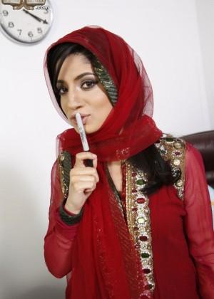 Негры трахают порно звезду из Пакистана