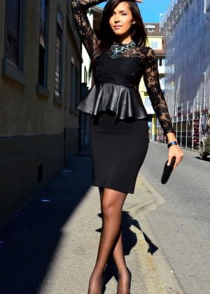 Бразильянка в деловой одежде
