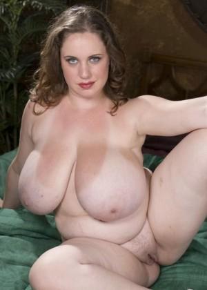 Голые крупные женщины - компиляция 6