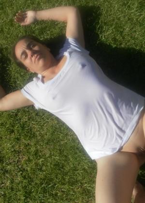 Фистинг и ебля в жопу с пожилой австралийкой
