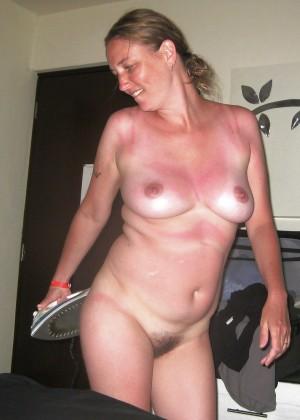 Голая домохозяйка Сью из Нью-Джерси