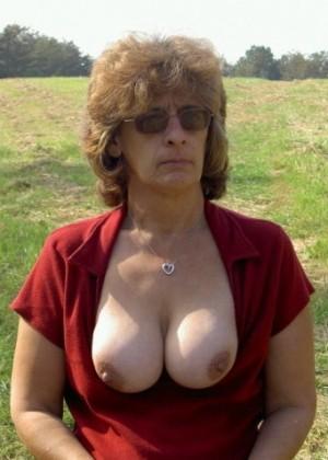 Волосатая пизда зрелой Сюзан из Нью-Джерси