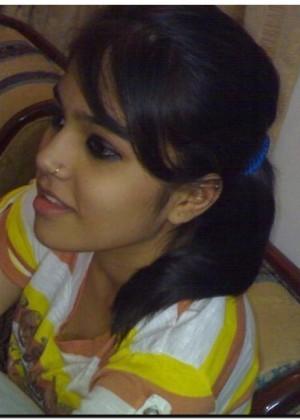 Просто красивая девушка из Бангладеша (не голая)