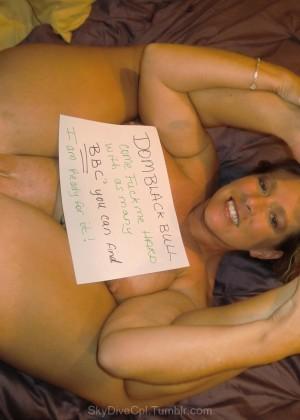 Женщина из Техаса с мощной фигурой, чего то хочет