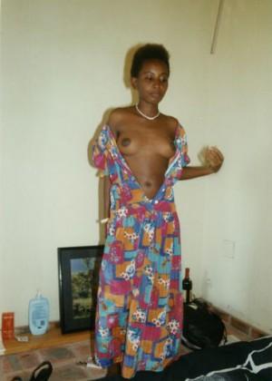 Красивая проститутка из Бурунди