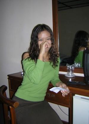 Голая студентка из Мьянмы