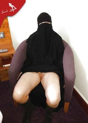 Саудитка показывает голое тело