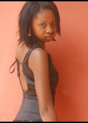 Молодая модель Калими из Замбии (не голая)