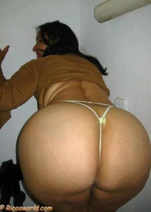 Огромная задница доминиканки