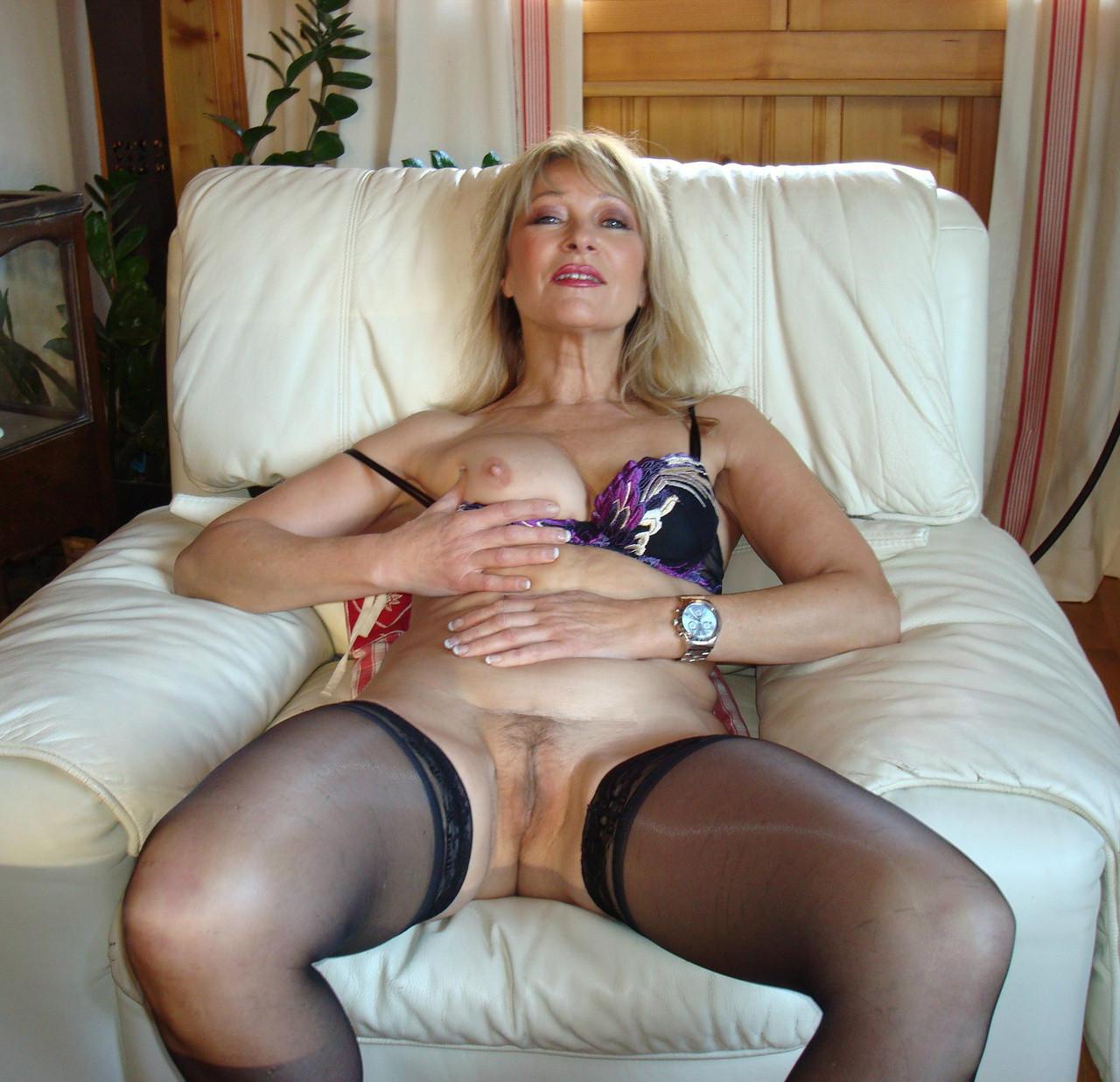 секс видео красивых пожилых женщин в домашнем белье - 2