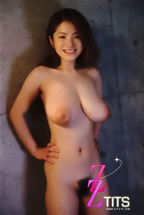 Молодая грудастая японка Анна Охура