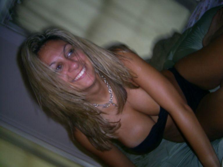 Секс с гламурной обладательницей больших силиконовых сисек