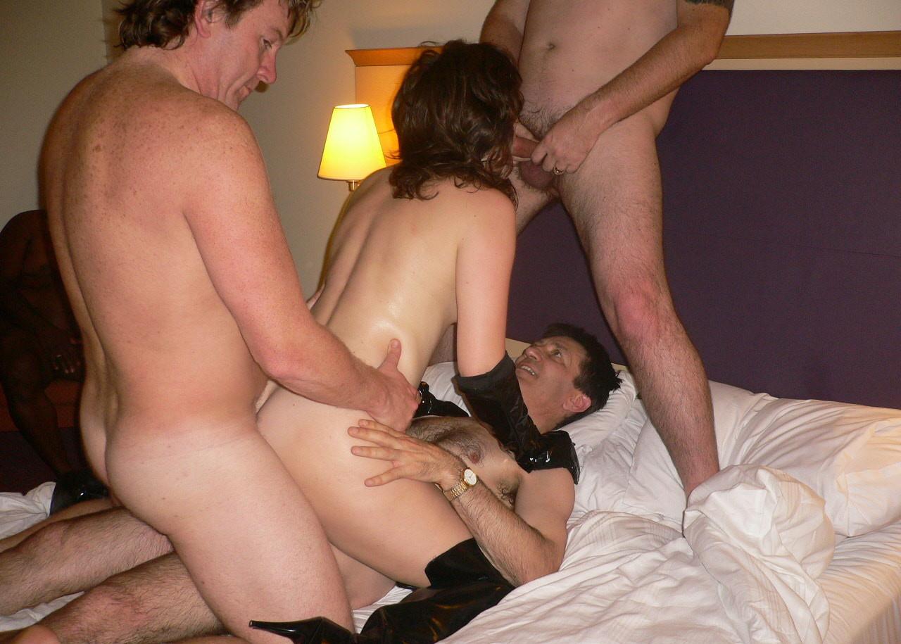 Фото группового секса с женами онлайн девушки поймали