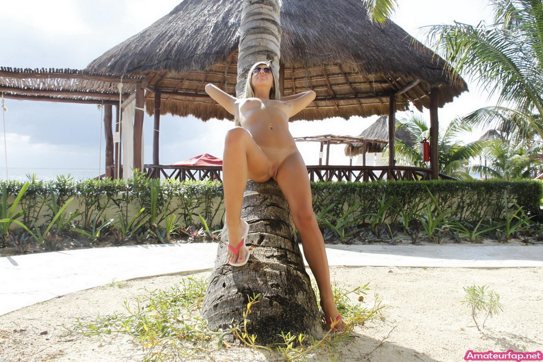 Black woman bahamas resort with naked girls masturbate tube jules