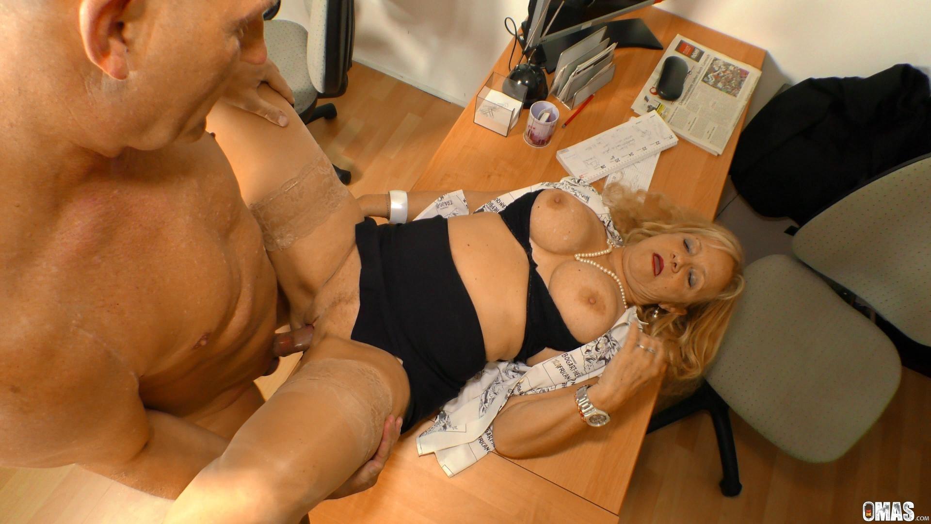 erotic-underwear-mature-secretary-fucking-home-sex