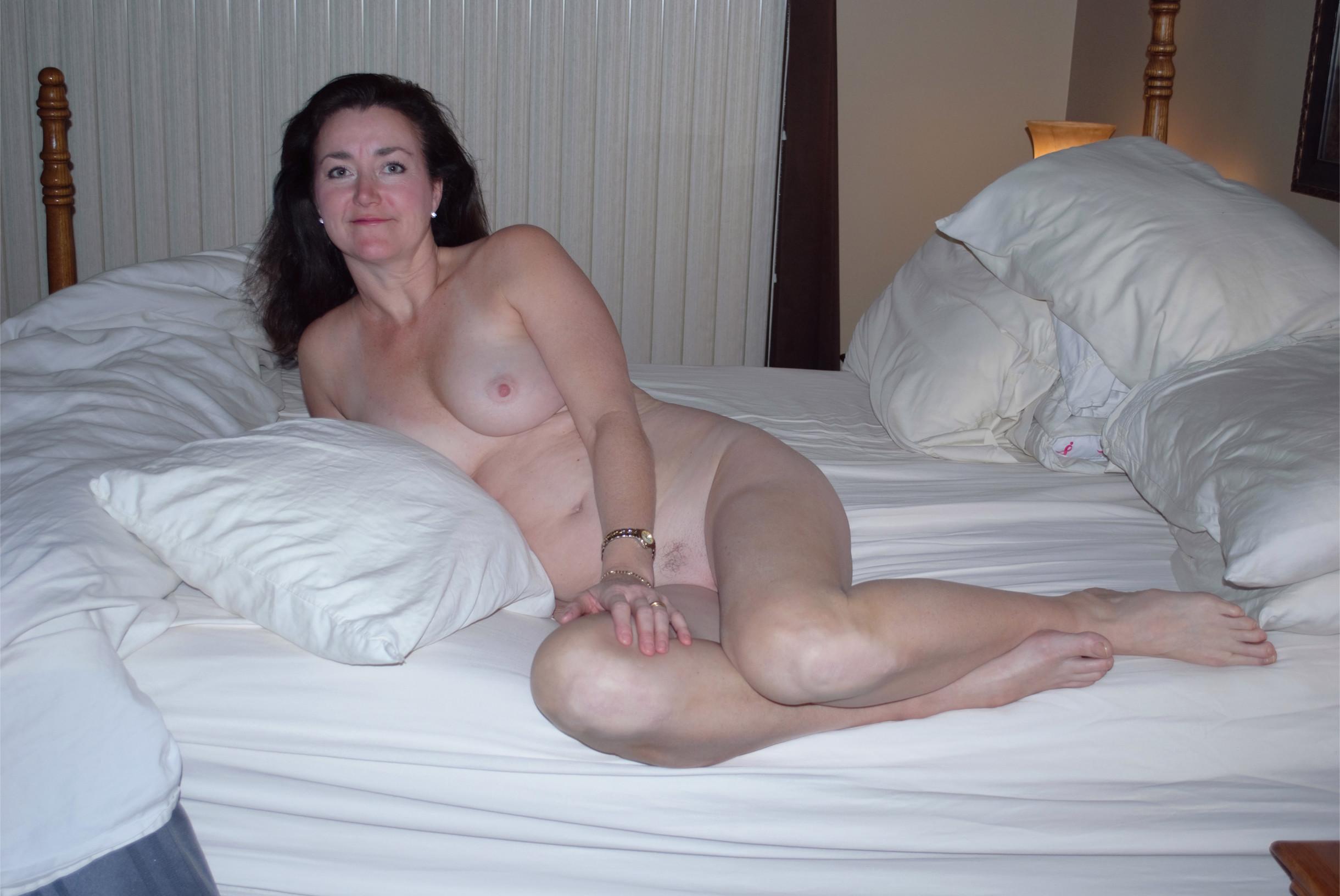 Voluptuous amateur wife nude — 3