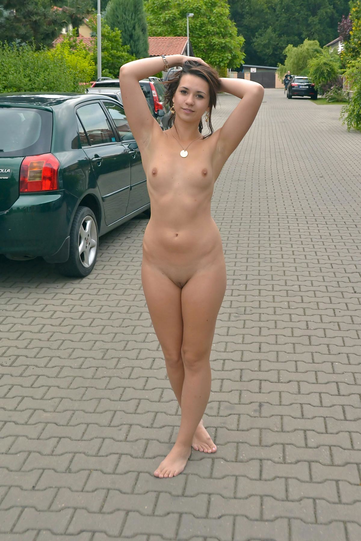 videos-of-women-dared-naked