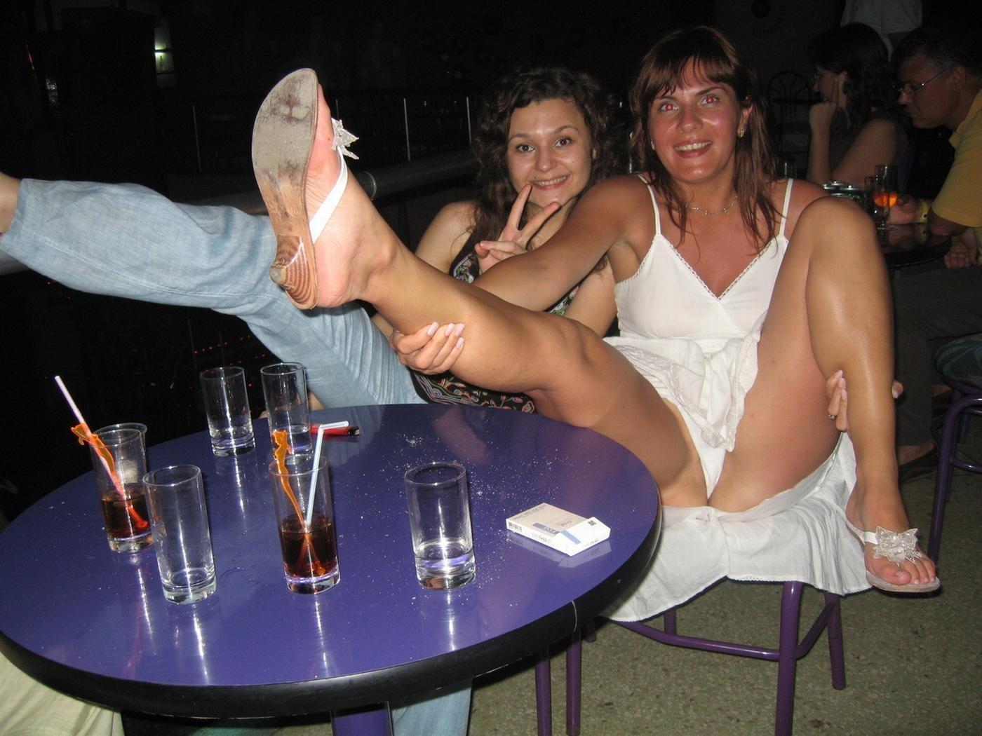 Засветы пьяных девушек эротика