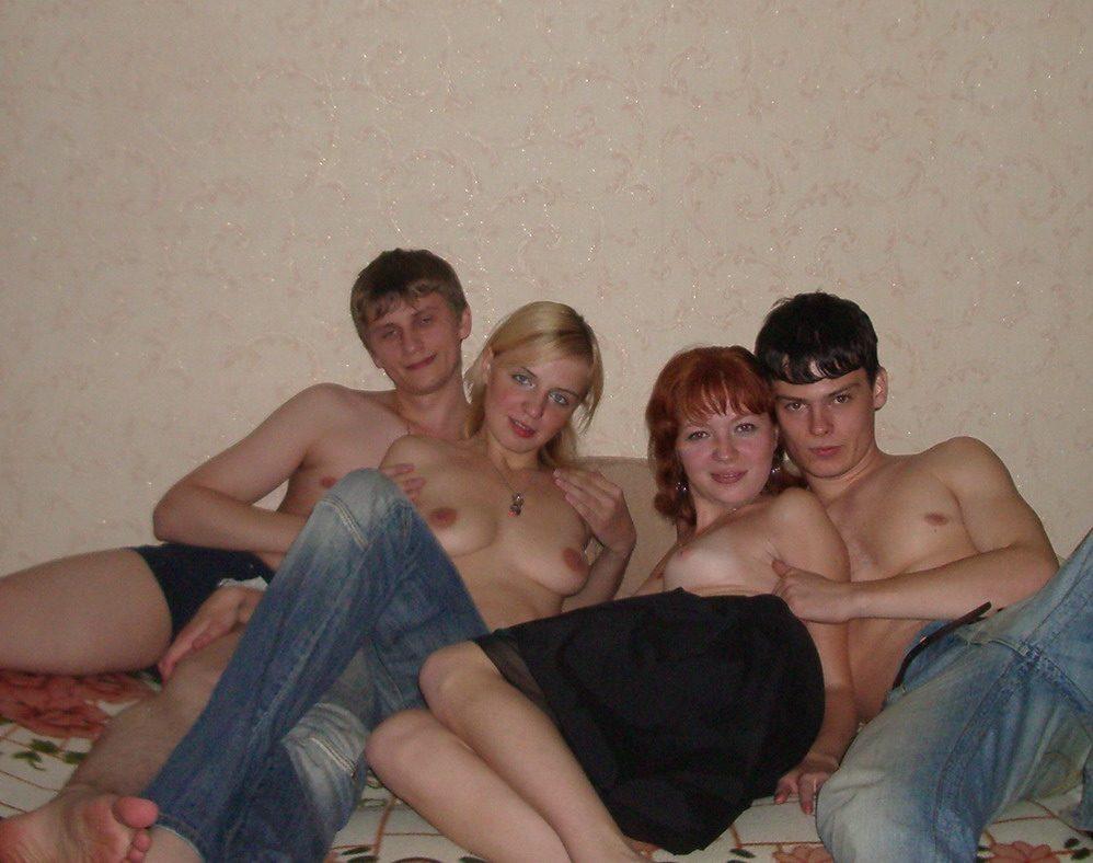 сексуальные приключения русской парочки с друзьями