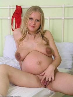 Голые беременные женщины - компиляция 13