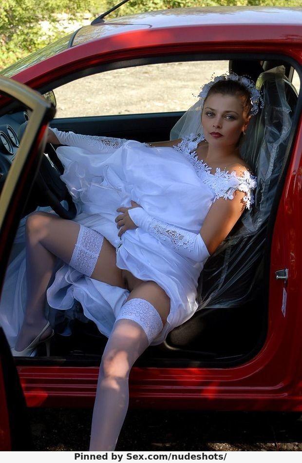 смотреть онлайн домашнее фото засвет писек невест